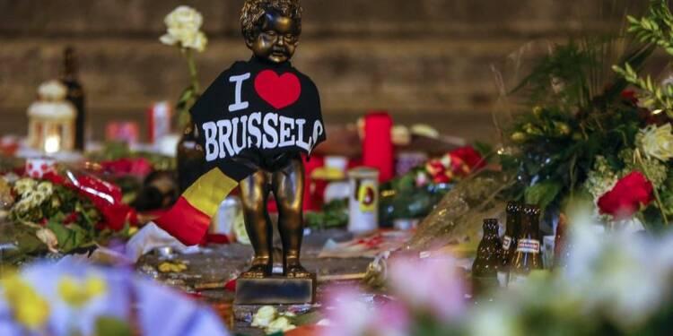 Une douloureuse introspection succède aux hommages en Belgique