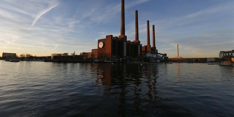 Vers une plainte d'actionnaires contre Volkswagen en Allemagne