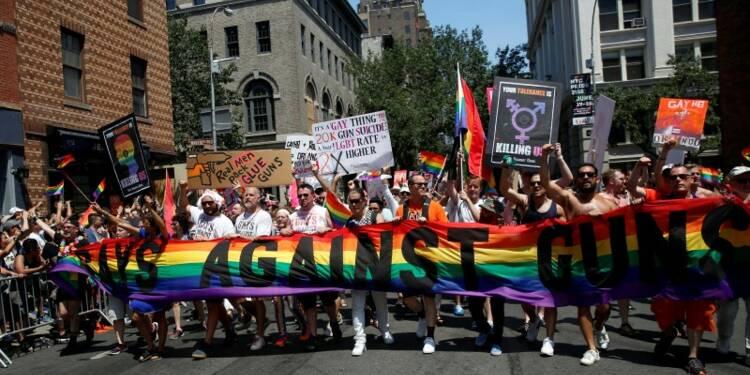 Orlando dans tous les esprits aux parades de la Gay Pride