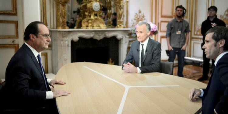 Hollande verdit son gouvernement et rappelle Ayrault