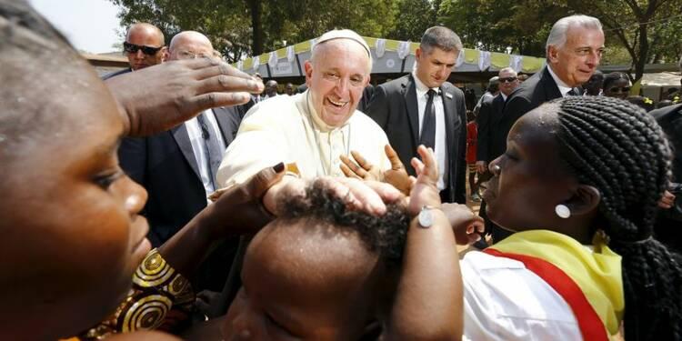 Sous haute sécurité, le pape appelle à la paix en Centrafrique