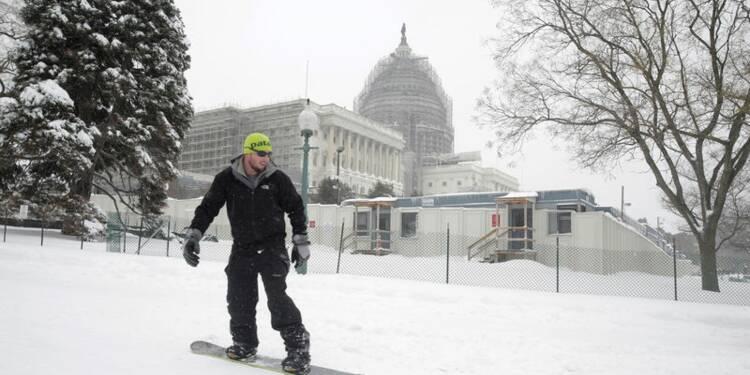 Tempête de neige géante aux Etats-Unis, les villes de New York et Washington paralysées