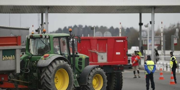 Annonce d'une baisse des cotisations sociales des agriculteurs