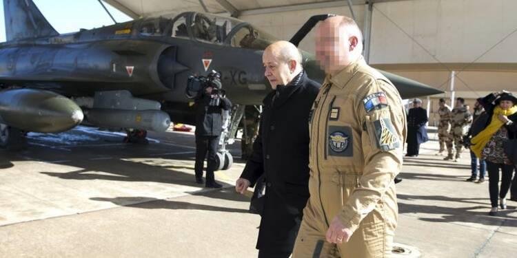 Le Drian salue le sang-froid des militaires Sentinelle à Valence