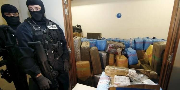 Enquête à Paris sur les pratiques de la police anti-drogue