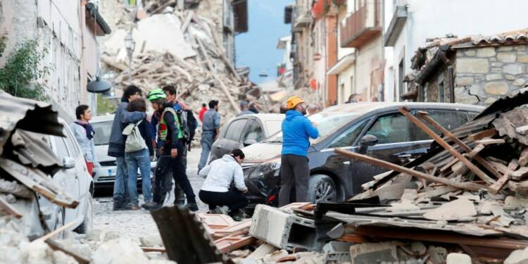 Au moins 38 morts après un séisme dans le centre de l'Italie