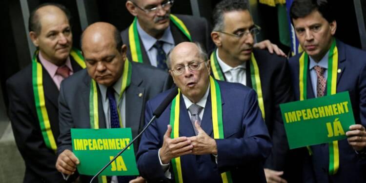 Les députés débattent de la destitution de Dilma Rousseff