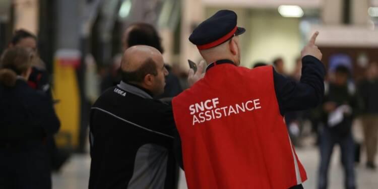 SNCF: ultimes négociations au 6ème jour de grève