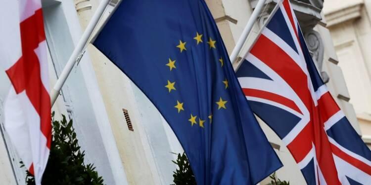 Les Britanniques favorables à une sortie de l'UE plus nombreux