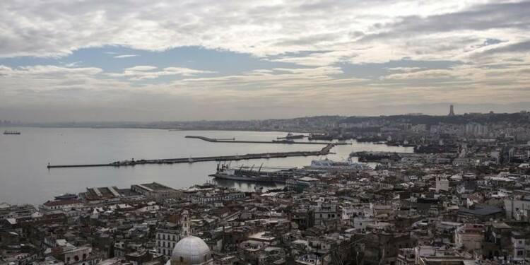 """La visite de Valls à Alger polluée par les """"problèmes"""" de visas"""