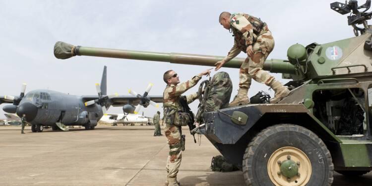 Rafale, hélicoptères, blindés… la France n'a jamais vendu autant d'armes qu'en 2015