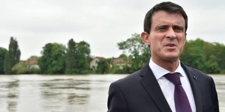 """SNCF: après Pepy, Valls appelle à l'arrêt de la grève par """"solidarité"""" avec les Français"""