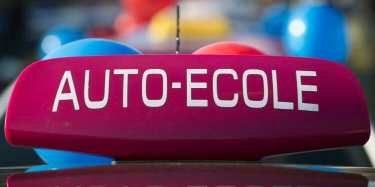 Auto-école sociale: le permis de conduire à 250 euros, coup de pouce vers l'emploi