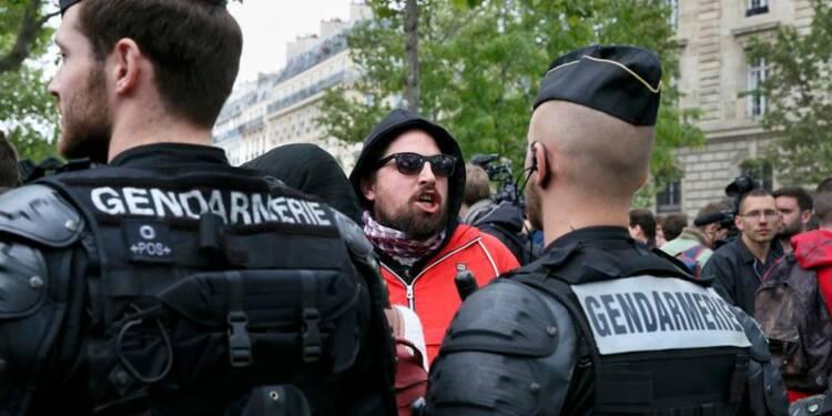 "Les policiers manifestent contre la ""haine anti-flic"""