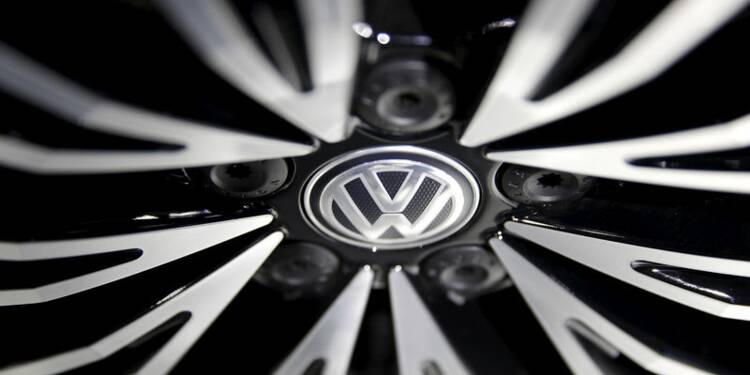 Volkswagen bat le consensus mais augmente ses provisions