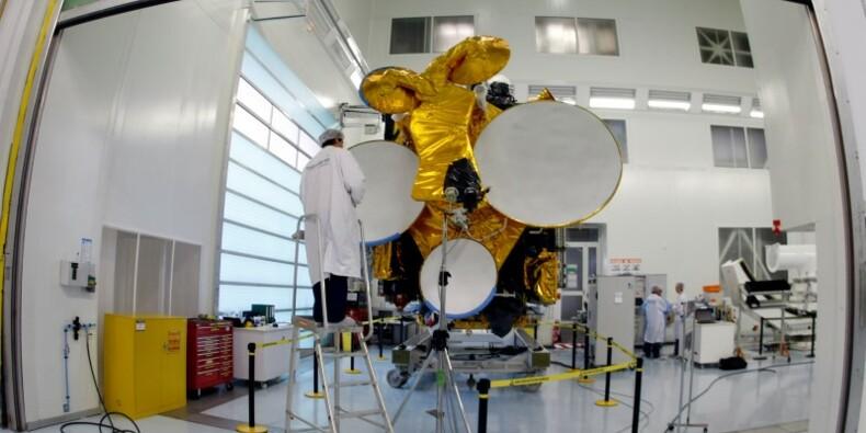 Eutelsat revoit un objectif de CA après une annulation