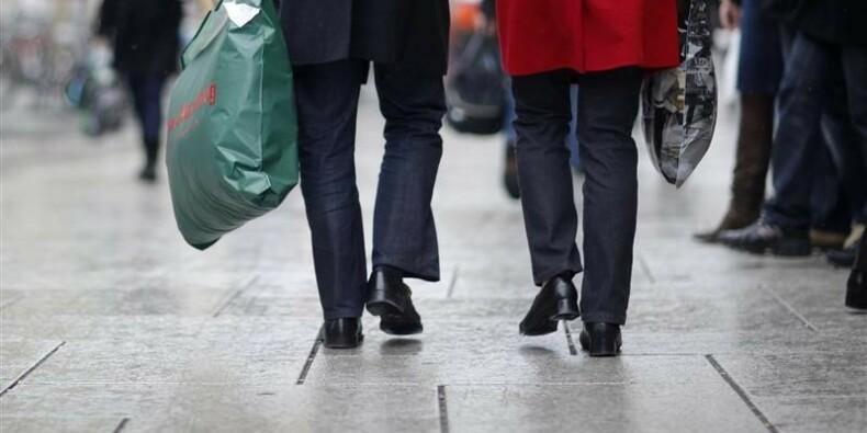 Nouvelle forte hausse des ventes au détail en Grande-Bretagne