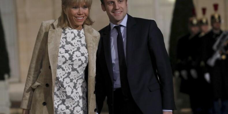 Macron dit regretter d'avoir exposé son couple dans la presse