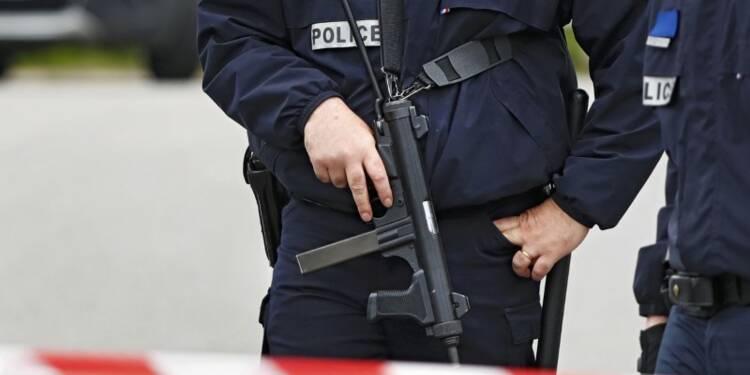 Le meurtre de policiers accroît la pression sécuritaire
