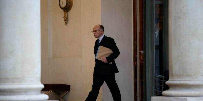 Bernard Cazeneuve défend l'action de l'Etat face aux attentats