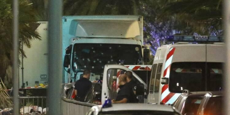 """""""L'attaque terroriste"""" au camion à Nice a fait au moins 80 morts"""