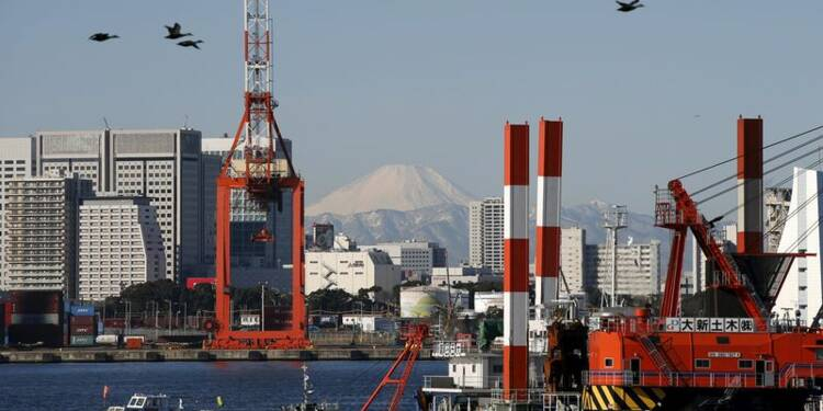Les exportations du Japon baissent plus que prévu