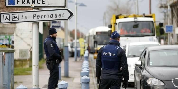 Cazeneuve critique les contrôles belges à la frontière française