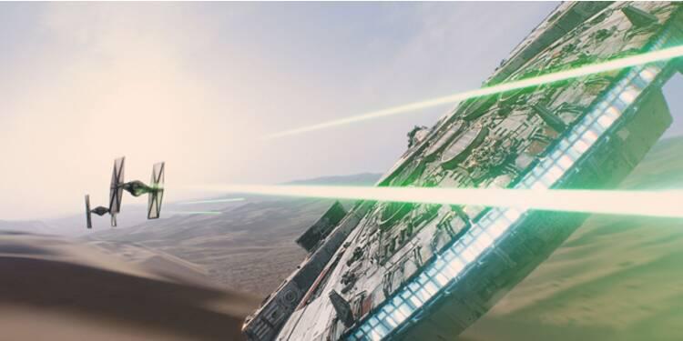 """Star Wars VII """"Le réveil de la Force"""" fait tomber les records"""