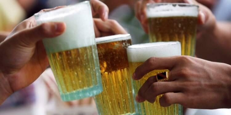 """La Cour des comptes parle de """"tolérance"""" de l'Etat sur l'alcool"""