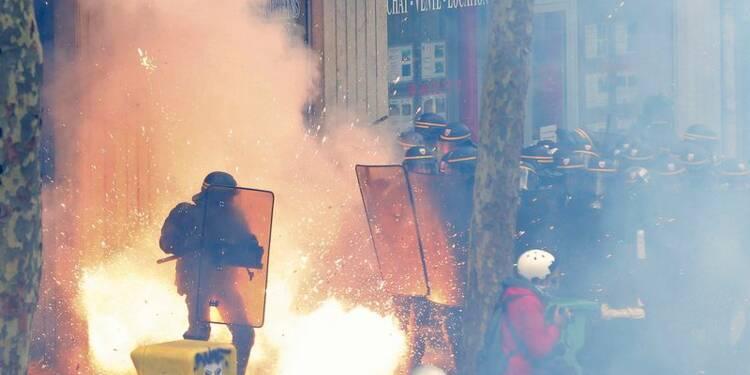 24 policiers et gendarmes blessés lors des manifestations