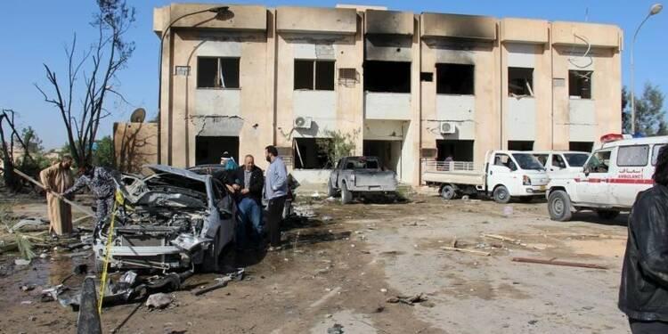 Près de 50 morts en Libye dans un attentat contre la police