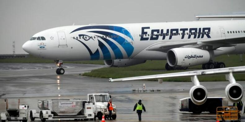 Les recherches de l'épave de l'avion d'EgyptAir se poursuivent