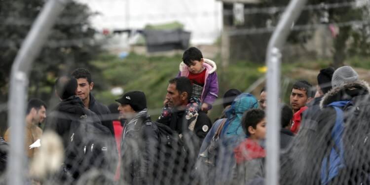 """La Grèce parle de """"mini-crise humanitaire"""" sur son sol"""