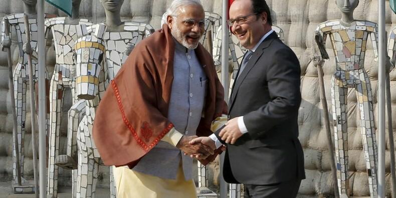Hollande en Inde espère trouver un premier accord sur les Rafale