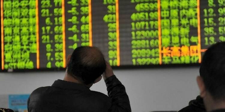 La Bourse de Shanghai a plongé de 7%, la Chine fait trembler les marchés mondiaux