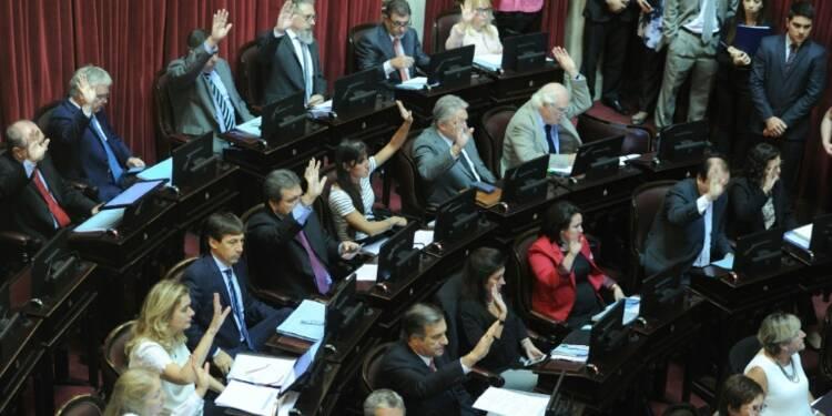 """Argentine: feu vert du parlement à l'accord sur les fonds """"vautours"""""""