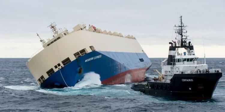 """L'échouage du cargo """"Modern Express"""" envisagé"""