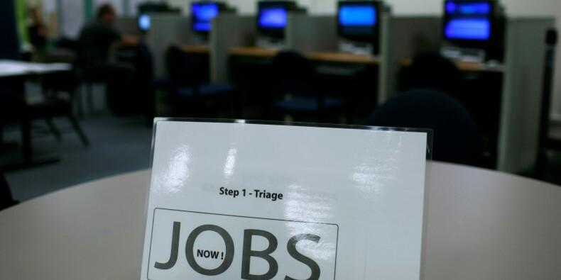 Forte baisse des inscriptions hebdomadaires au chômage aux USA