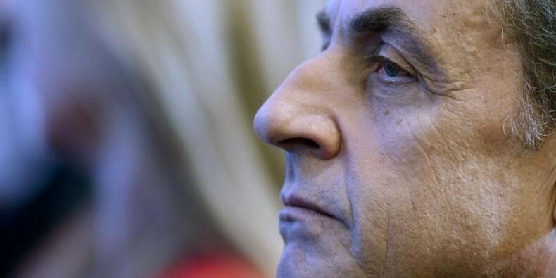 """Nicolas Sarkozy déplore un financement """"erratique"""" de la Défense"""