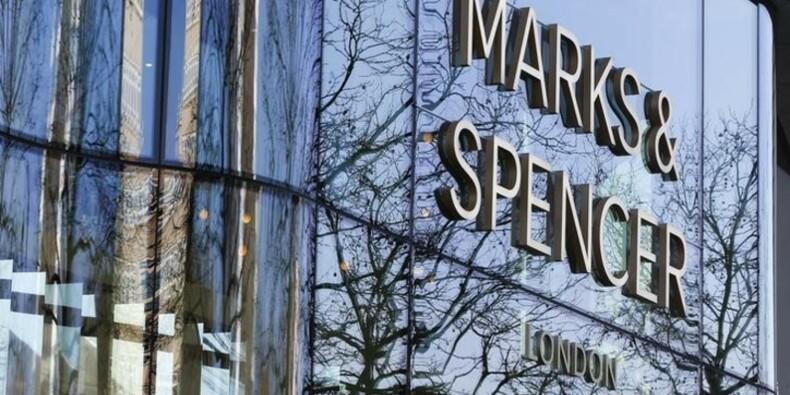La baisse des ventes de vêtements de Marks & Spencer ralentit