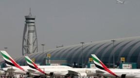 Un avion d'Emirates rate son atterrissage à Dubaï, un mort