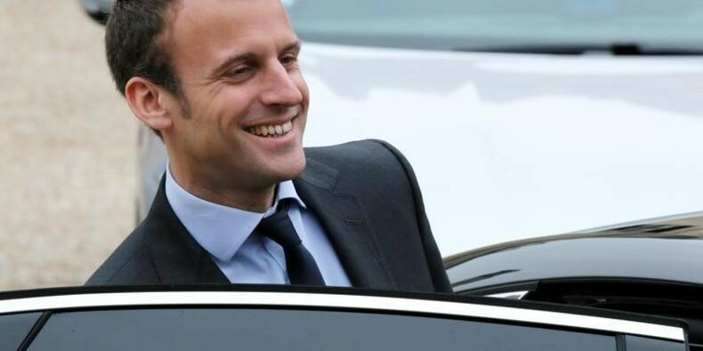 Macron est un recours idéal pour 2017, selon Collomb