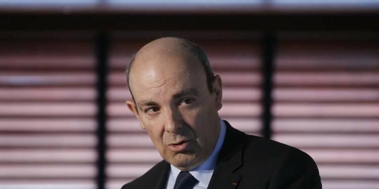 """Dassault juge """"difficile"""" l'objectif de livrer 60 Falcon en 2016"""