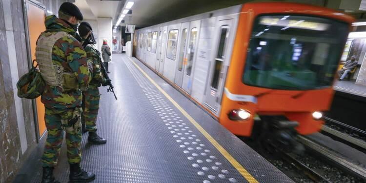 Ecoles et métro rouvrent à Bruxelles sous étroite surveillance