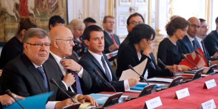 """Travail détaché: Valls veut renforcer la lutte contre la fraude """"massive"""""""