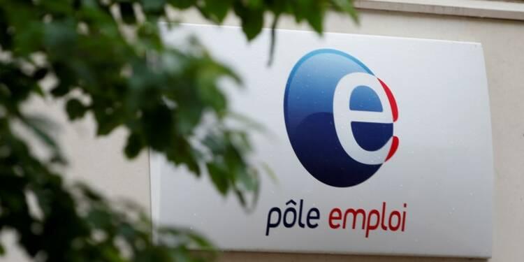 La tendance à la baisse du chômage s'est amplifiée, dit Hollande