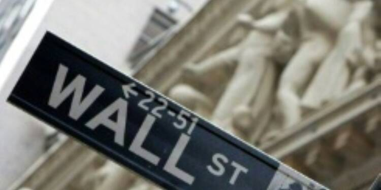 Wall Street finit hésitante une séance sereine
