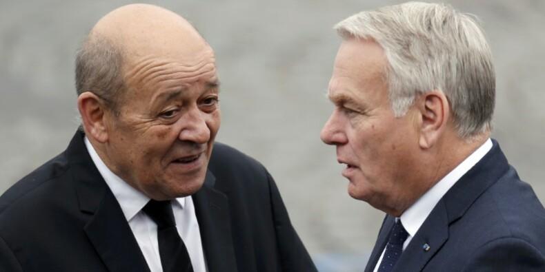 La France n'a pas besoin d'une crise politique, dit Ayrault