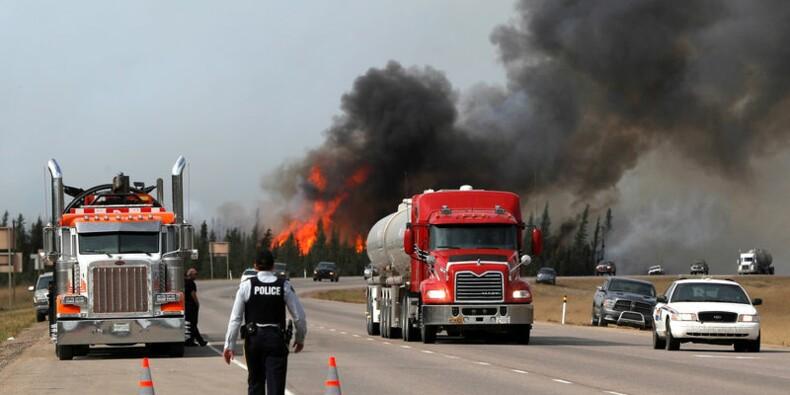 Septième jour d'incendie en Alberta