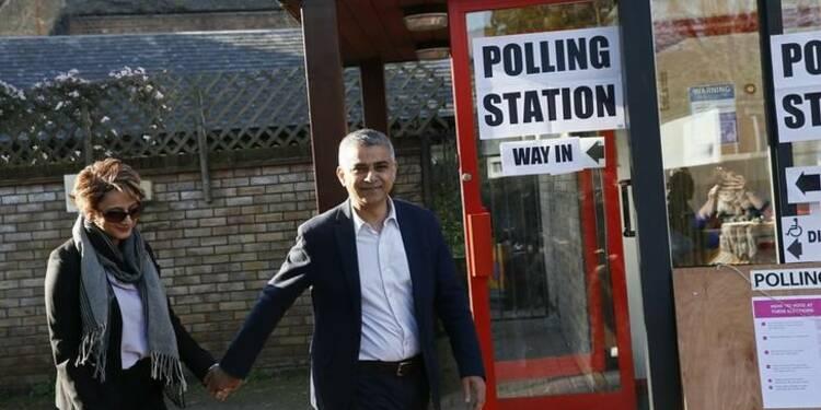 Le travailliste Sadiq Khan favori pour la mairie de Londres